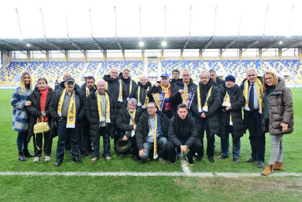 Nemo_Miklos_J_csoport_stadionban